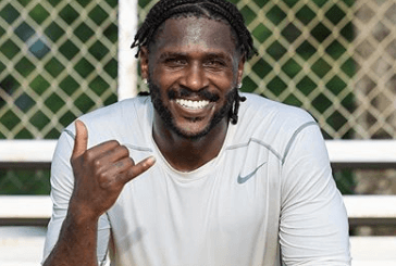 Tampa Bay Bucs get Crushed in Antonio Brown's First Game and the Memes are A++