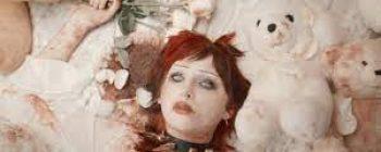 New Artist Alert:Carolesdaughter!